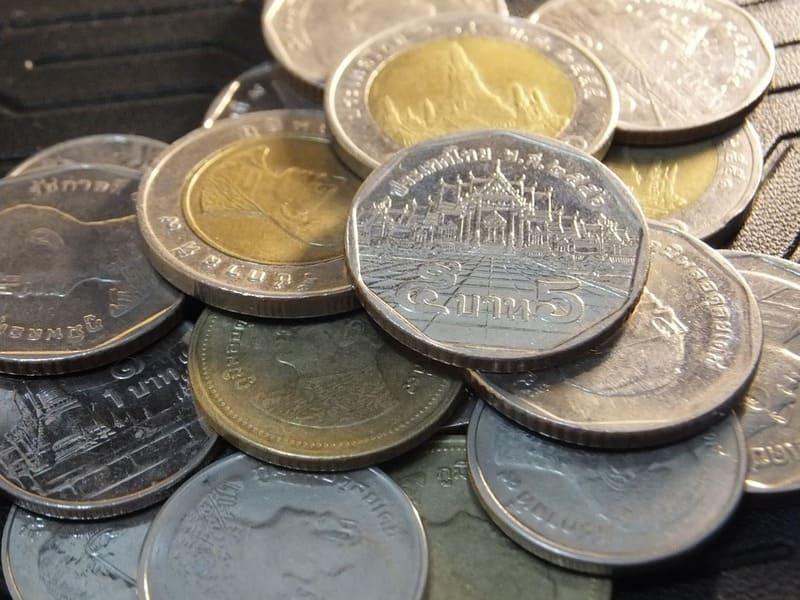 Avant de voyager en thailande, il faut passer par le bureau de change !