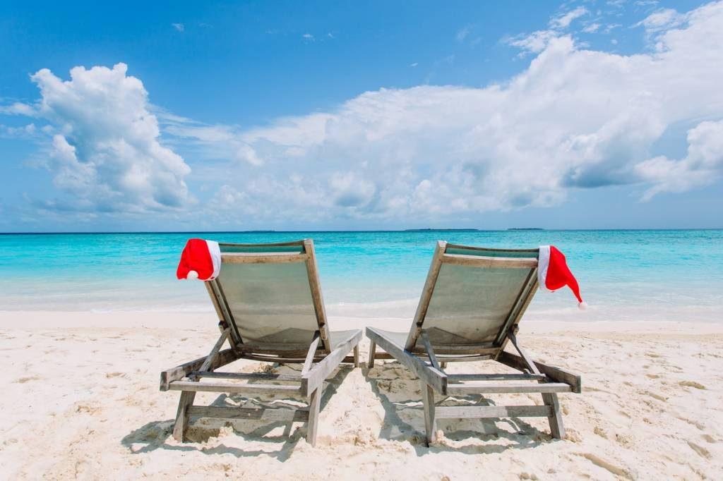 bonnet de noël transat et plage en Martinique